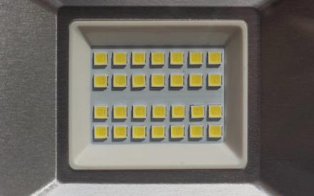 LED驱动器的拓扑结构应该如何选择