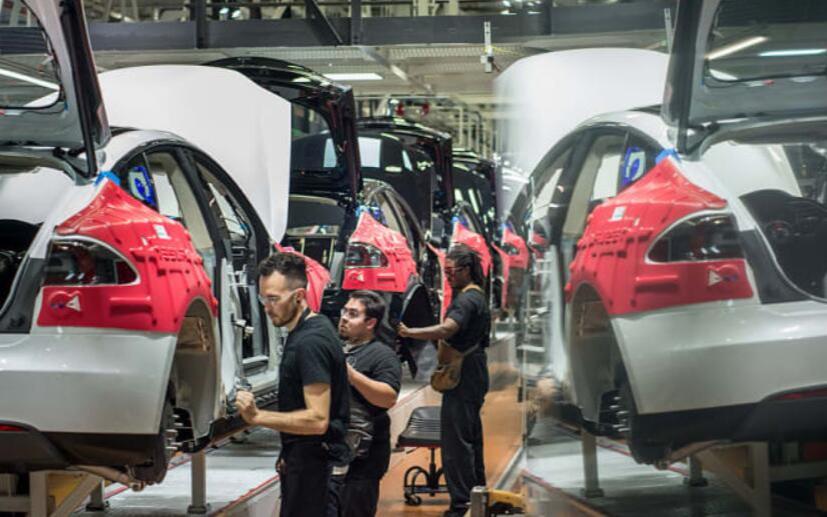 美国汽车销售放缓 受疫情影响特斯拉延迟美国工人返厂时间