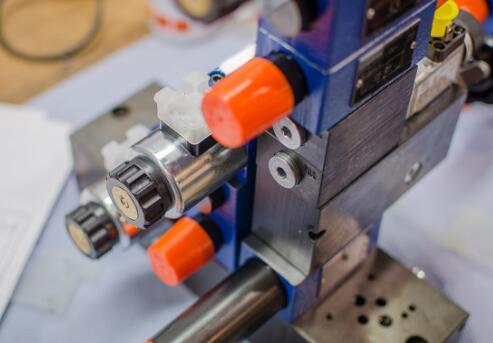 液壓機的分類_液壓機安全操作規程