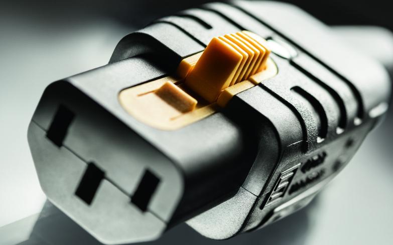 首款帶V型鎖扣的可重新接線式IEC電源輸入插座