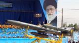 伊朗空军在德黑兰展示了12架新型远程无人战斗机