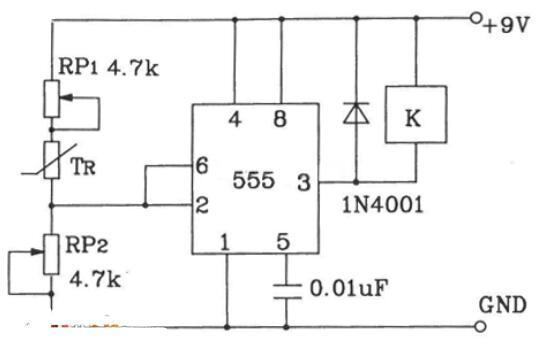 採用溫度感測器構成的溫度控制電路圖
