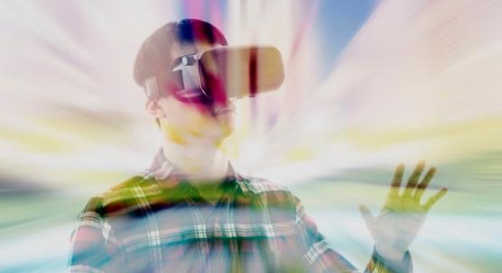 AL t4519073353827328 苹果正在研发虚拟助手,以帮助用户浏览VR内容