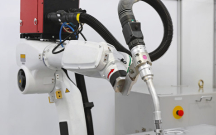 AI时代已到来,工业机器人需要实现智能化