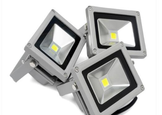 led投光燈在保養中需要注意的事項