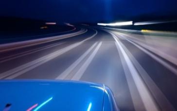 百度开放自动驾驶出租车服务,离落地还需多久