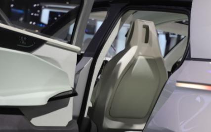 智能技术不断进步,自动驾驶全面落地还需多久
