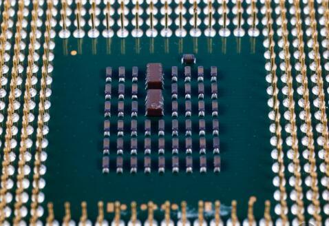 英特尔和amd处理器哪个比较好