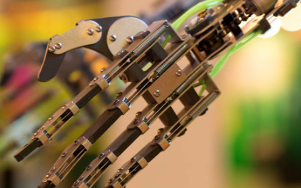 5G服務機器人如何協助我們共同對抗新冠病毒