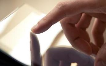 手机触摸屏保养维护和清洁技巧