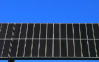 中国启动最大百万瓦时级别太阳能+储能项目系统