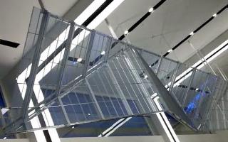 led透明屏是什么,它有什么优势及特点