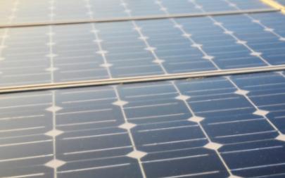 通过钻孔热能储存太阳能,打造新型光伏储能项目