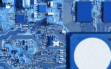 适用于Xilinx Virtex-7 FPGA开发板的32位DDR4 SDRAM