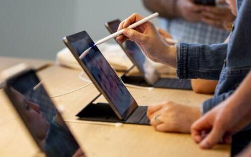 蘋果股價再創新高 華為和中國聯通簽署天空一體化戰略合作