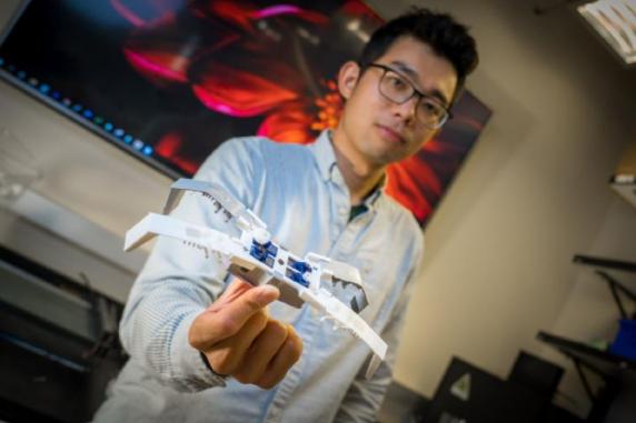 美大学3D打印软件机器人 不到两小时即完成组装