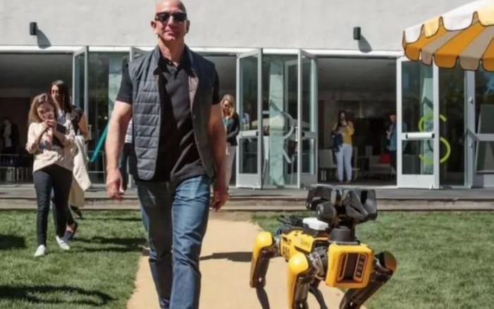 四足机器人 Spot开售,还可远程诊断新冠病毒