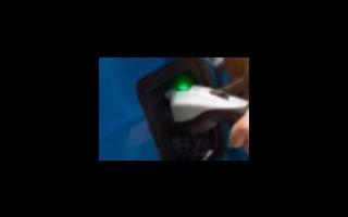 电动车充电器插上电源后为什么绿灯亮红灯闪烁