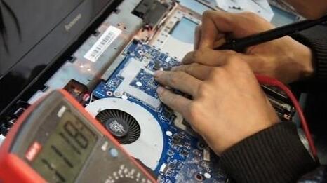 电路板维修中怎样快速锁定故障元器件