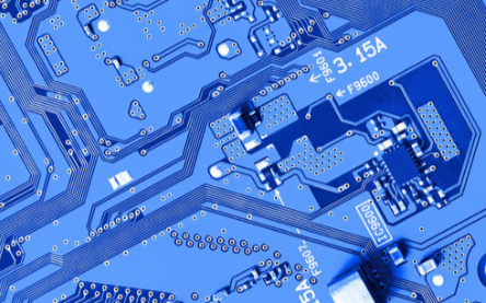 在使用SRAM时如何才能有效节省芯片的面积