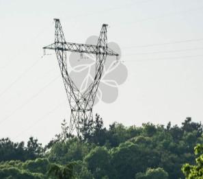 无人机预防大型机器施工破坏电力设施