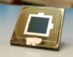 新型交错背触式太阳能电池研发,实现亚微米CIGS层的高效率