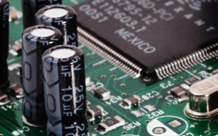继电器保护装置的失灵现象是由什么原因造成的