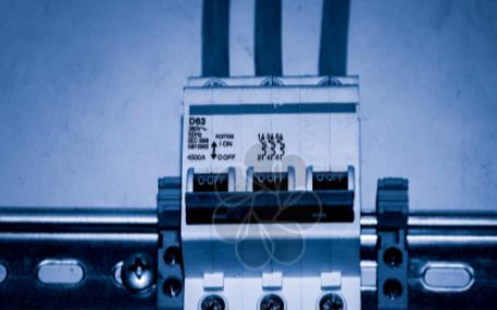 恒流恒压电源:一个特殊的直流电源