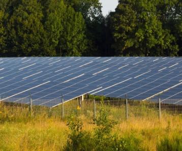新能源发电装机快速增长