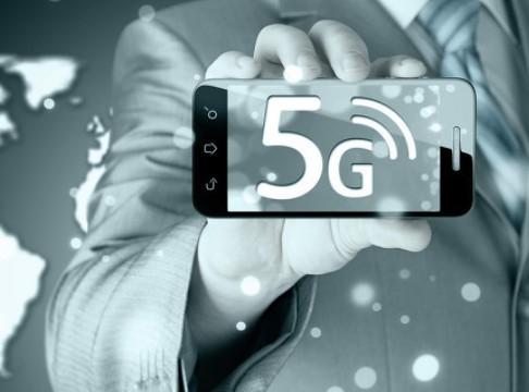 """""""新基建""""风口之下,AIoT将成为5G智能手机市场竞争的破局关键"""