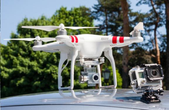 三星演示新系統:利用AI無人機測量5G網絡基站的天線配置