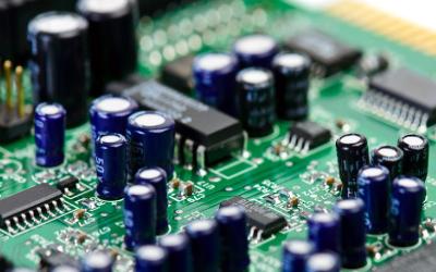 如何在晶振电路中选择电容