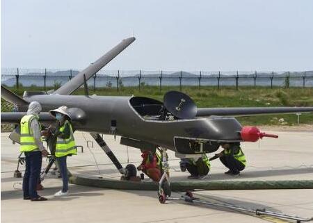 我国首款全复合材料多用途无人机完成测试,加速新型...