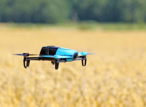 作为新近崛起的潜力装备,利用无人机来加强管理和执...