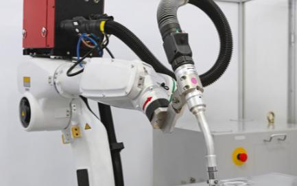 目前激光锡焊工艺和激光锡焊设备已逐步趋向成熟