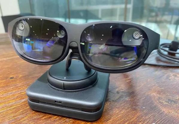 钉钉AR眼镜办公体验:提高办公效率,满足办公需求