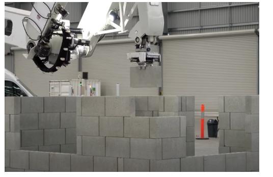 Hadrian X砌砖机器人的实际应用