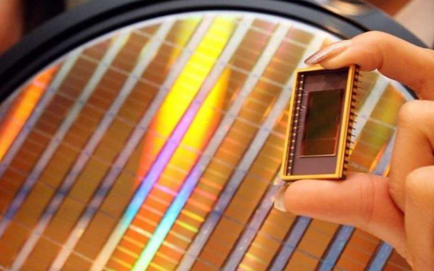 美光计划将部分DRAM和闪存芯片供应转向数据中心市场;广和通发布高性价5G模组…