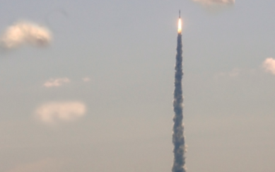 SpaceX首次載人火箭發射延期:原因讓人猜疑
