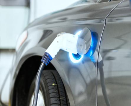 全球电动汽车蓬勃发展,导致电池原材料需求大涨