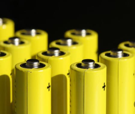 1.5V锂电池代表作:XTAR BC4充电套装一...