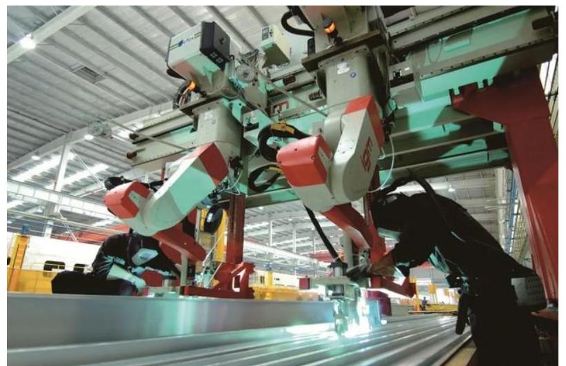 中车四方在制造/经营/服务等全流程和全产业链开展的智能制造应用