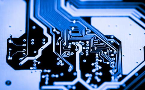 如何解决TRL去嵌入算法频率限制问题的原理说明