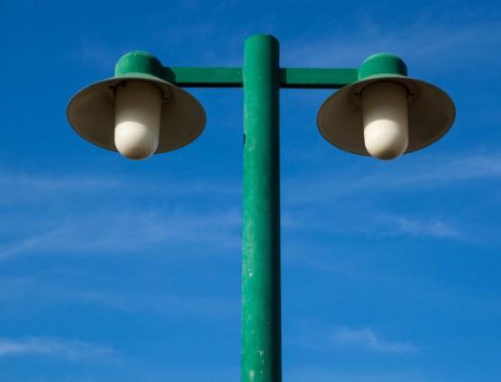 智慧灯杆:5G创新商业模式