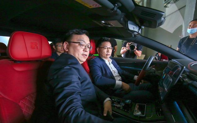 """华为和比亚迪再度合作,新款 """"汉""""不一般:搭载HUAWEI HiCar与刀片电池"""