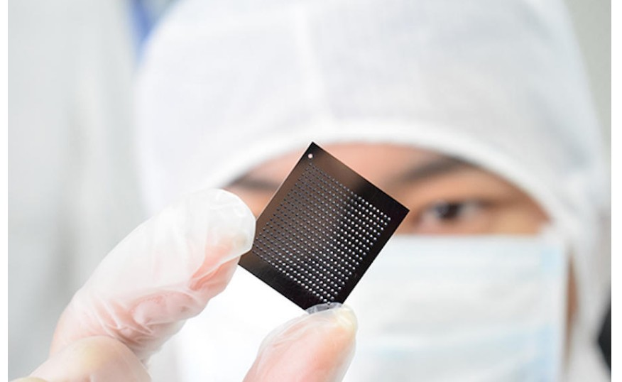 EDA处于芯片产业链的最上游,是芯片设计和生产的必备工具