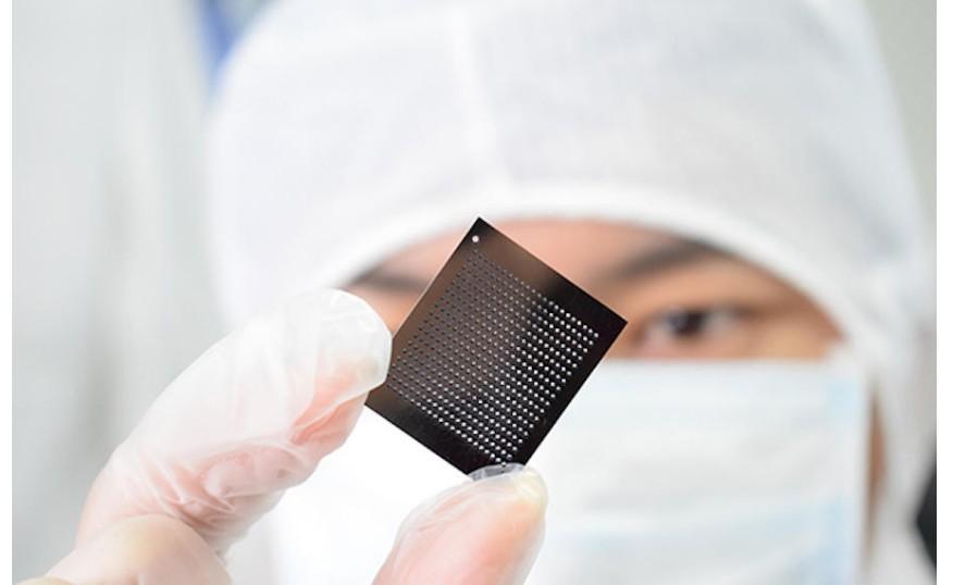 EDA处于芯片产业链的最上游,是芯片设计和生产的...