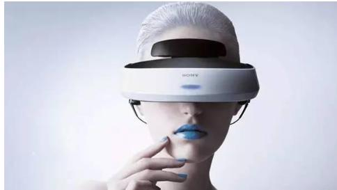 VR/AR技术与传媒领域的深度融合