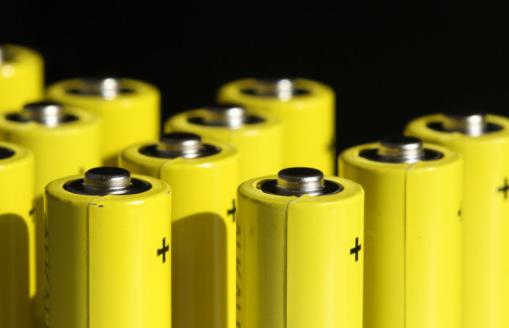 叉車蓄電池使用壽命下降的原因