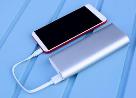 OPPO50W超閃餅干充電器憑什么取代充電寶?